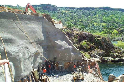 Tulloch Hydroelectric Project – 3rd Unit Addition (Temporary Shoring Design)